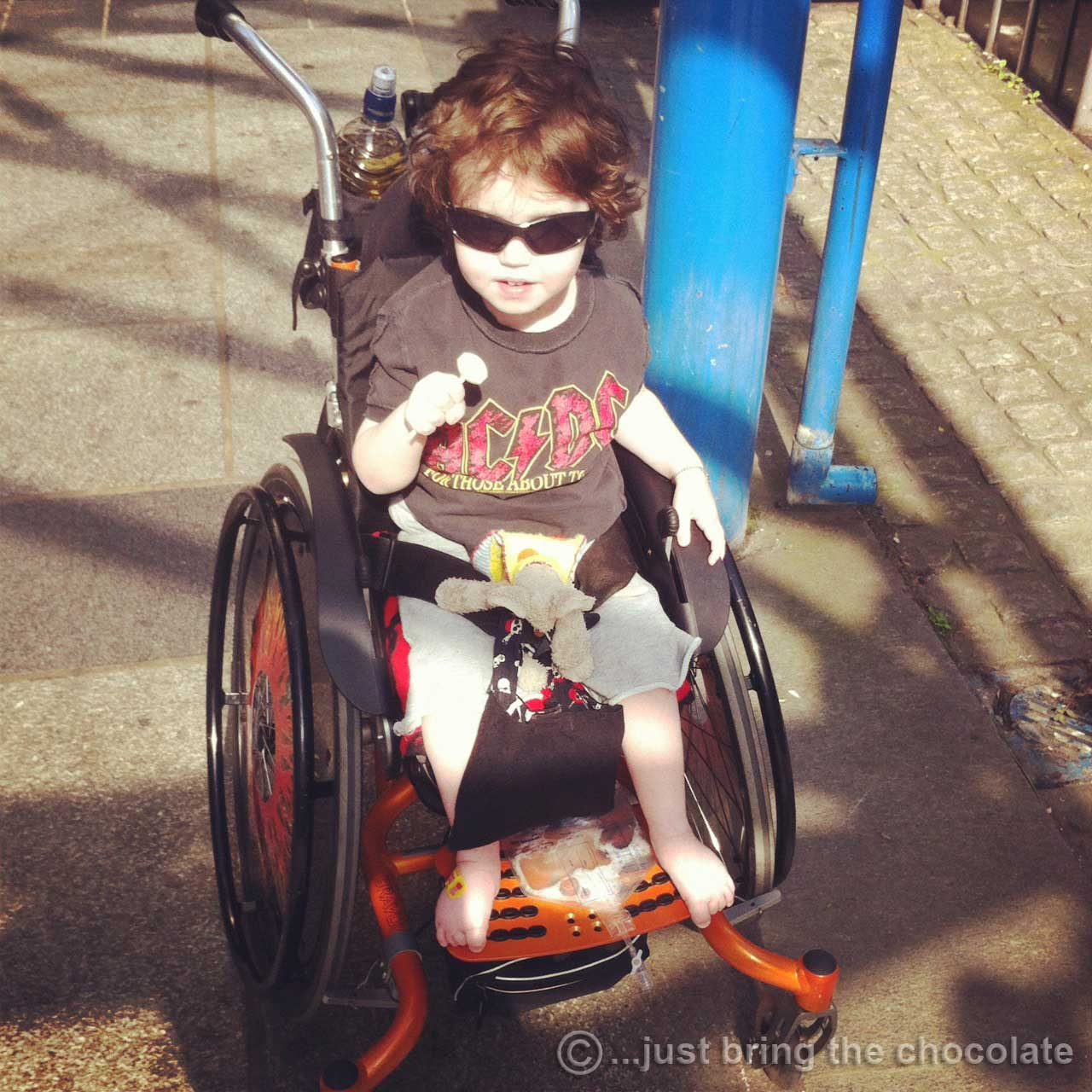 Dominic leaving Great Ormond Street Hospital
